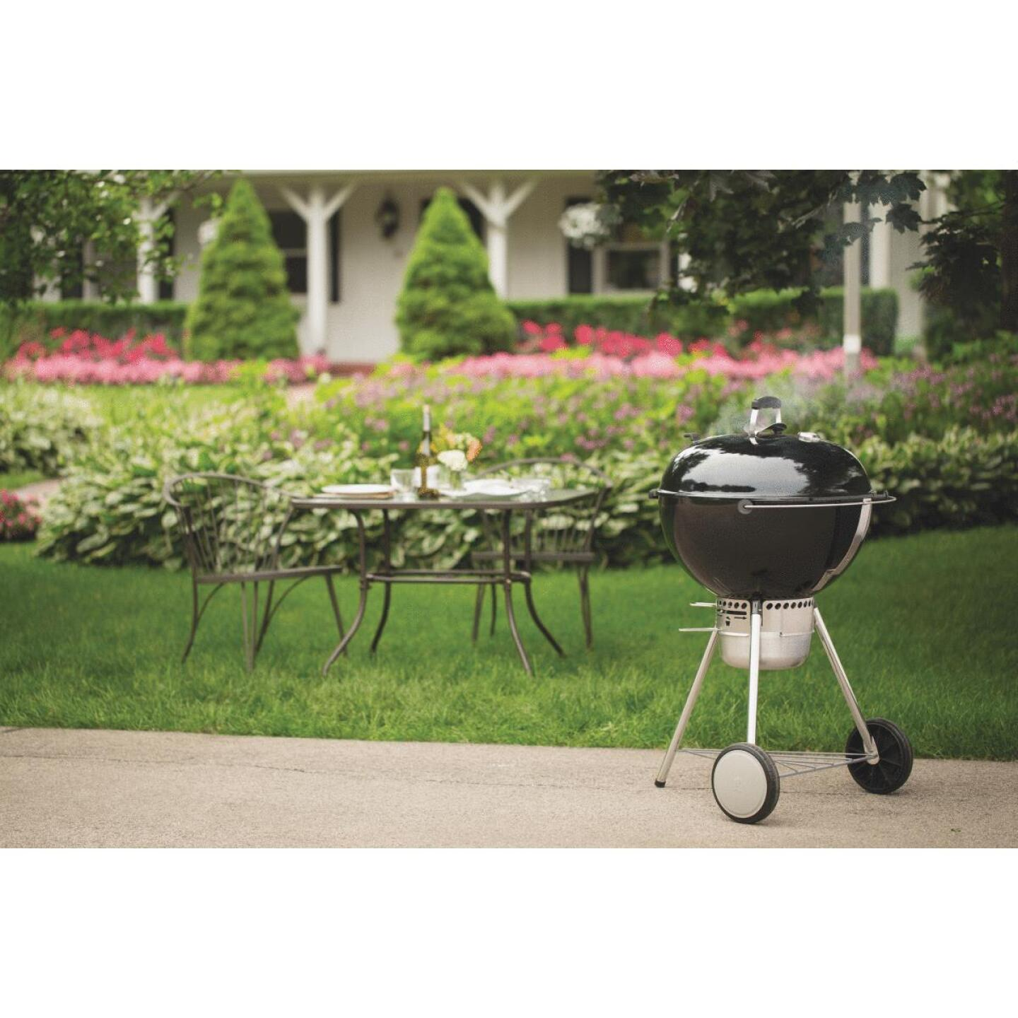 Weber Master-Touch 22 In. Dia. Black Charcoal Grill Image 3